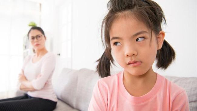 Thấy con có những hành vi ứng xử bất thường này cha mẹ tuyệt đối đừng bỏ qua mà hãy uốn nắn, sửa chữa ngay-1