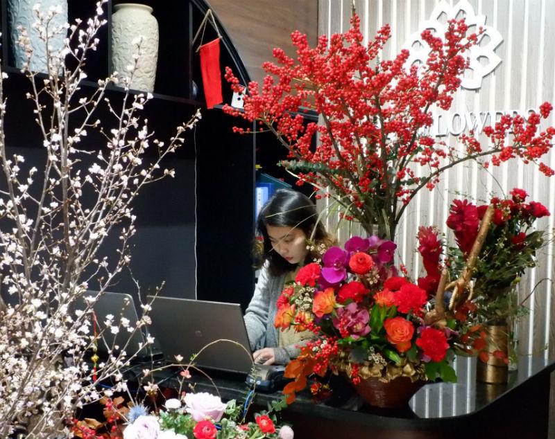 Cành hoa cây dại bên tây, đại gia Việt bỏ chục triệu chơi Tết-1