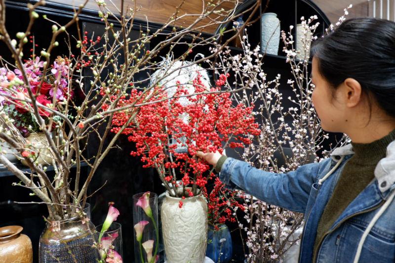 Cành hoa cây dại bên tây, đại gia Việt bỏ chục triệu chơi Tết-2