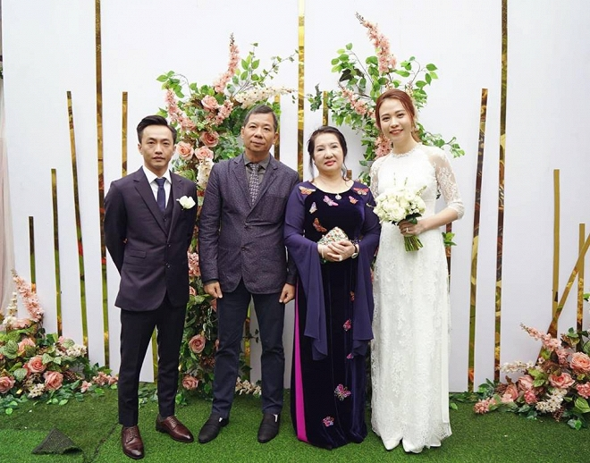 Với nguyên tắc ba không, ba biết, Đàm Thu Trang đã khiến mẹ chồng quyền lực rớt nước mắt, cưới hỏi hẳn hoi-9