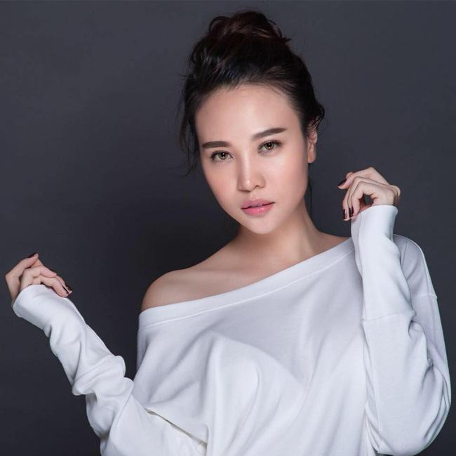 Với nguyên tắc ba không, ba biết, Đàm Thu Trang đã khiến mẹ chồng quyền lực rớt nước mắt, cưới hỏi hẳn hoi-3