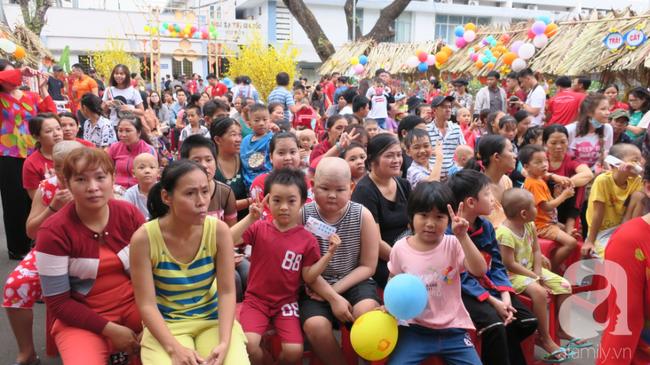 """Những em bé ung thư đi hội chợ, chơi Tết trong… bệnh viện: Con ước cả thế giới không còn bệnh nữa""""-7"""
