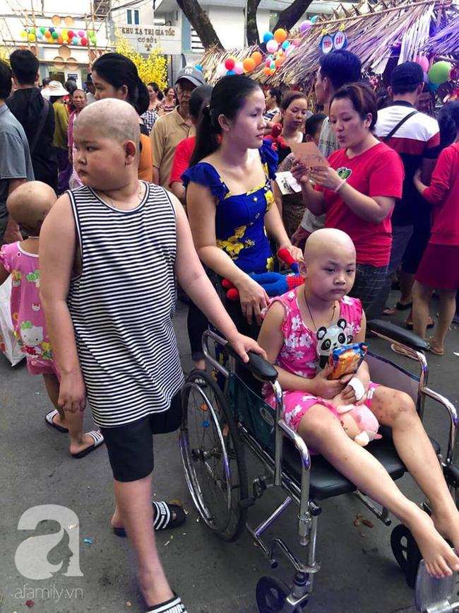 """Những em bé ung thư đi hội chợ, chơi Tết trong… bệnh viện: Con ước cả thế giới không còn bệnh nữa""""-1"""