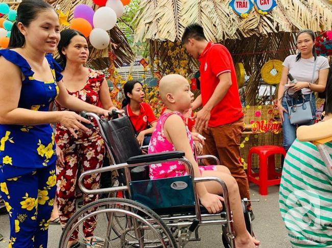 """Những em bé ung thư đi hội chợ, chơi Tết trong… bệnh viện: Con ước cả thế giới không còn bệnh nữa""""-3"""