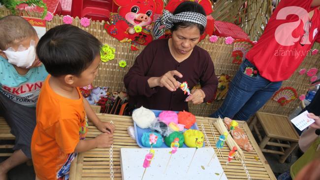 """Những em bé ung thư đi hội chợ, chơi Tết trong… bệnh viện: Con ước cả thế giới không còn bệnh nữa""""-11"""