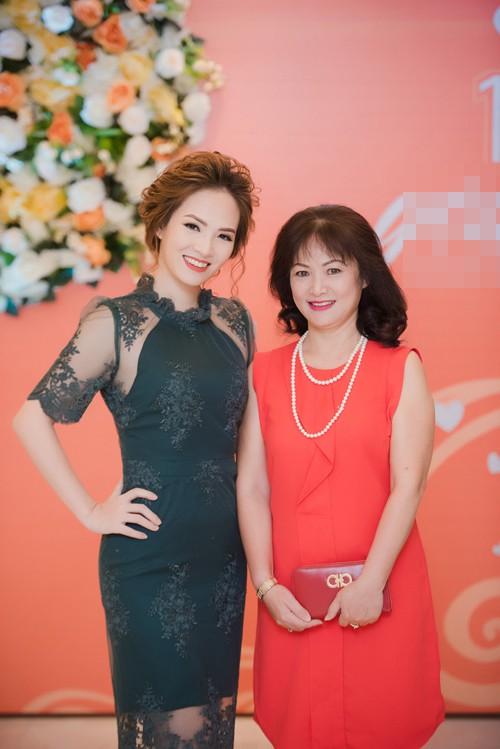 Mang danh mỹ nhân showbiz nhưng Hà Tăng, Tú Anh, Đan Lê, Lê Phương... vẫn bị dìm hàng khi đứng cạnh những người phụ nữ này-4