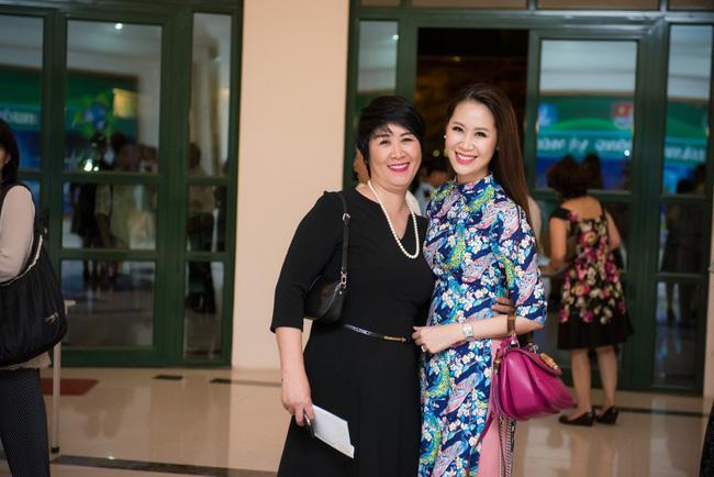 Mang danh mỹ nhân showbiz nhưng Hà Tăng, Tú Anh, Đan Lê, Lê Phương... vẫn bị dìm hàng khi đứng cạnh những người phụ nữ này-9