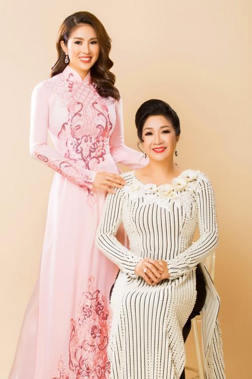 Mang danh mỹ nhân showbiz nhưng Hà Tăng, Tú Anh, Đan Lê, Lê Phương... vẫn bị dìm hàng khi đứng cạnh những người phụ nữ này-12