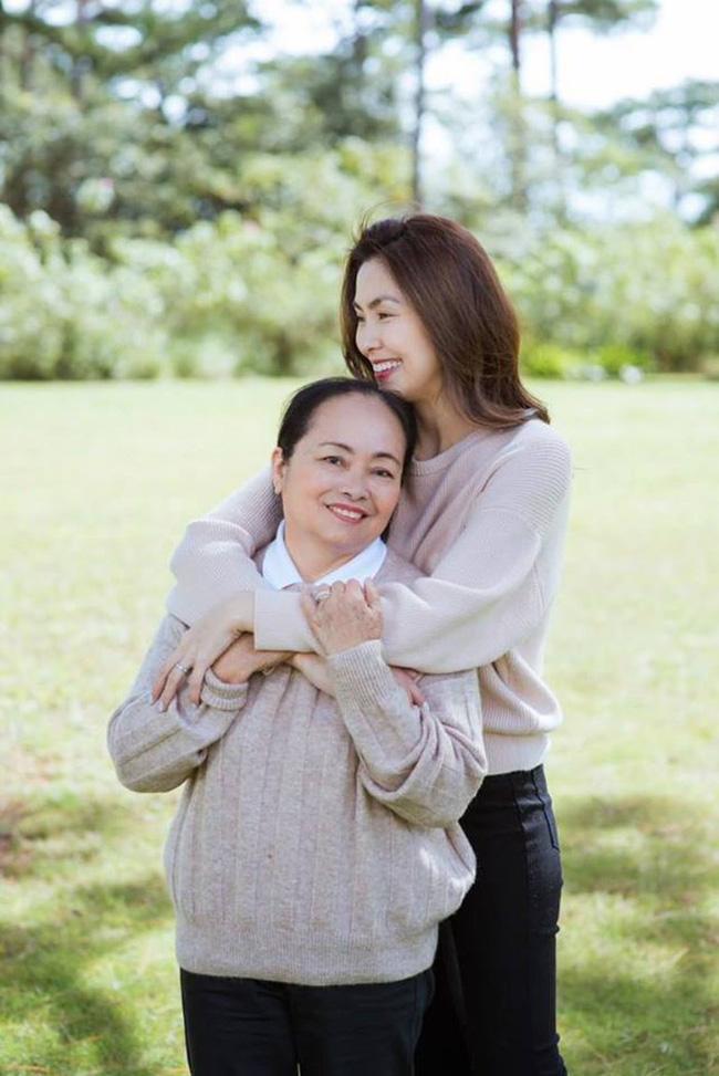 Mang danh mỹ nhân showbiz nhưng Hà Tăng, Tú Anh, Đan Lê, Lê Phương... vẫn bị dìm hàng khi đứng cạnh những người phụ nữ này-3