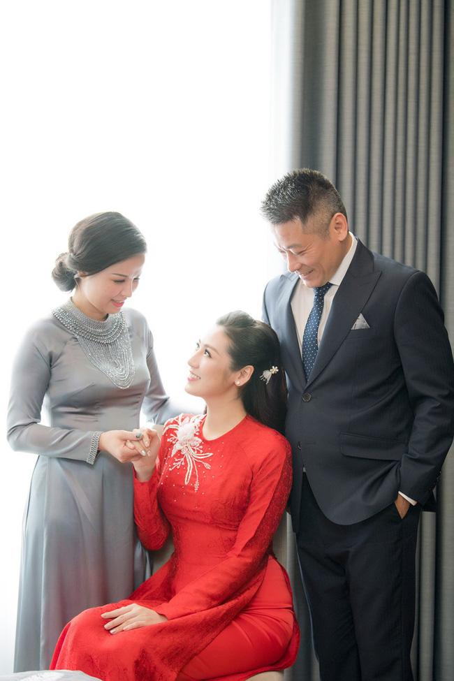 Mang danh mỹ nhân showbiz nhưng Hà Tăng, Tú Anh, Đan Lê, Lê Phương... vẫn bị dìm hàng khi đứng cạnh những người phụ nữ này-15