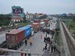 Chung cư ở trung tâm Sài Gòn nghiêng nghiêm trọng, khẩp cấp di dời dân trong đêm-12
