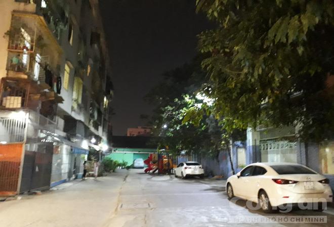 Chung cư ở trung tâm Sài Gòn nghiêng nghiêm trọng, khẩp cấp di dời dân trong đêm-11