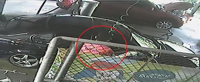Cái chết nhiều uẩn khúc của bé gái 3 tuổi sau khi gặp phải tình huống chưa từng có ở trạm xăng-3