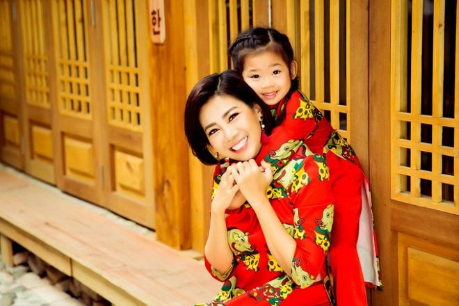 Mai Phương cùng con gái Lavie diện áo dài rạng rỡ đón Tết-1