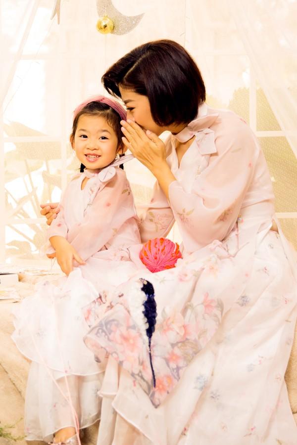 Mai Phương cùng con gái Lavie diện áo dài rạng rỡ đón Tết-11