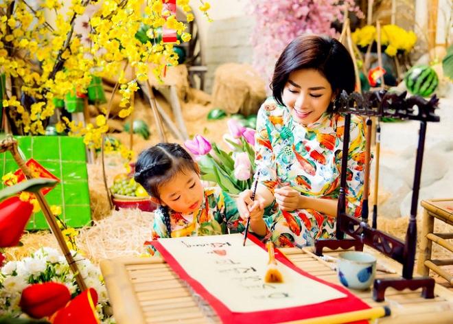 Mai Phương cùng con gái Lavie diện áo dài rạng rỡ đón Tết-12