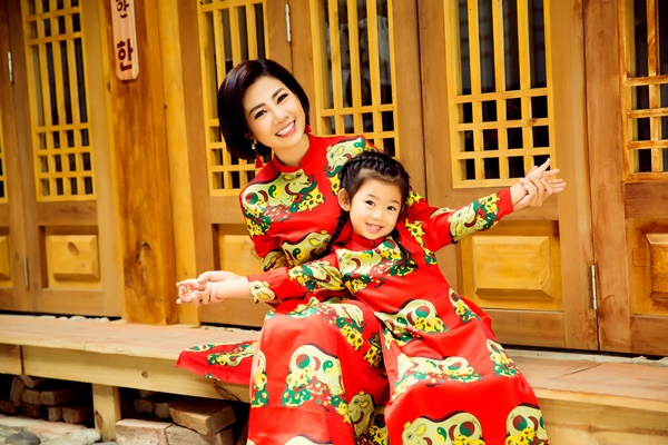 Mai Phương cùng con gái Lavie diện áo dài rạng rỡ đón Tết-2