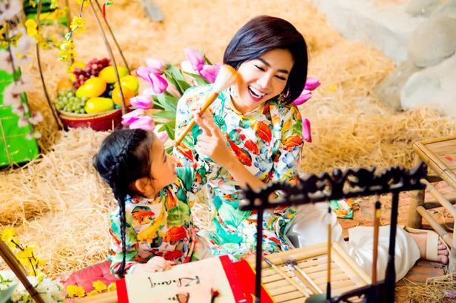 Mai Phương cùng con gái Lavie diện áo dài rạng rỡ đón Tết-9