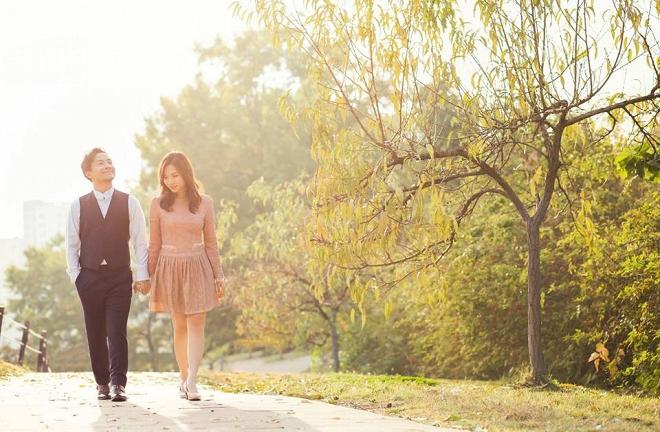 Tiến Đạt cười rạng rỡ bên bà xã giữa khung cảnh lãng mạn ở Hàn Quốc-4