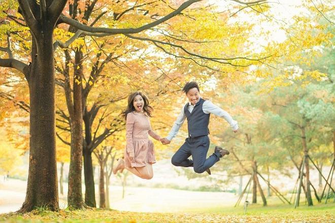 Tiến Đạt cười rạng rỡ bên bà xã giữa khung cảnh lãng mạn ở Hàn Quốc-16