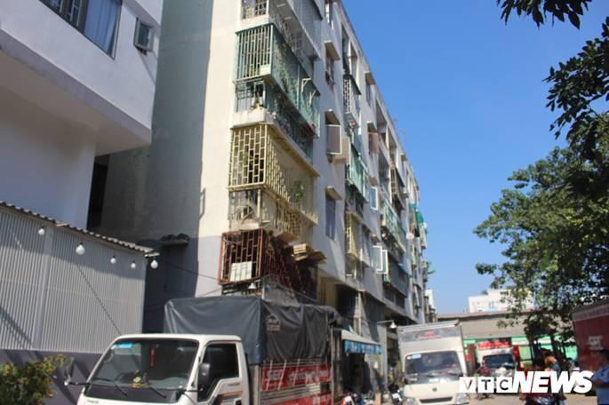 Người dân chung cư nghiêng ở TP.HCM: Đêm ngủ thường nghe tiếng rung lắc như động đất-1