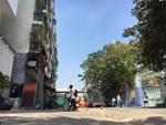 Hà Nội: Nhà trên phố Đào Tấn đồng loạt... chống nạng-12