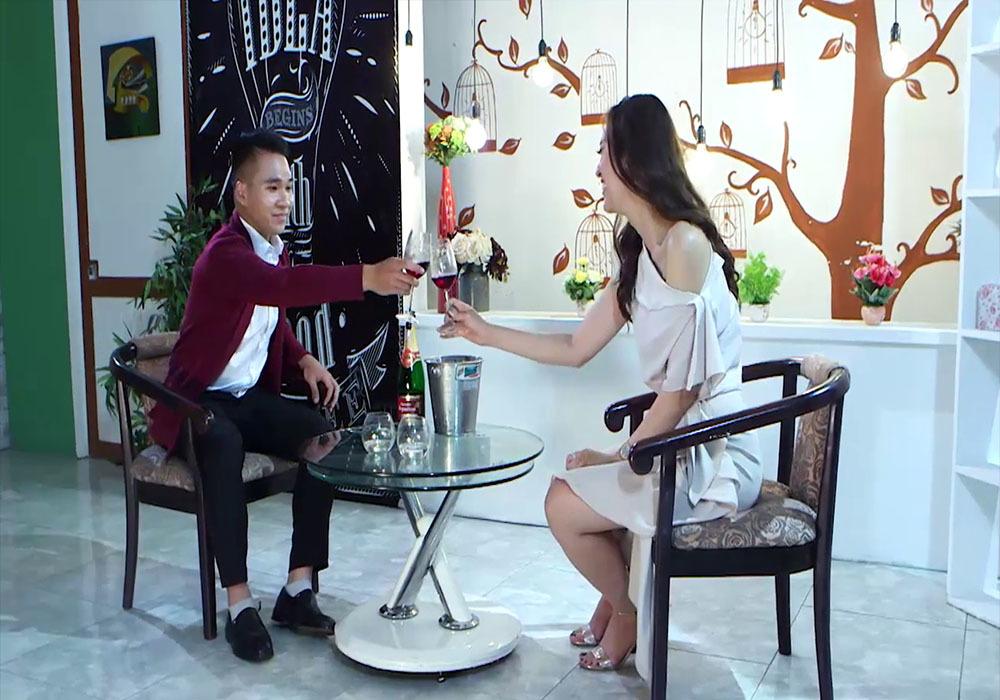 Người đẹp Hoa hậu Biển đứng hình vì được tặng đồ lót trong cuộc hẹn đầu tiên-3