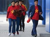 Bố mẹ Văn Hậu, Tiến Dũng vượt hơn 7.500 cây số cổ vũ con trai, đặt niềm tin vào một chiến thắng
