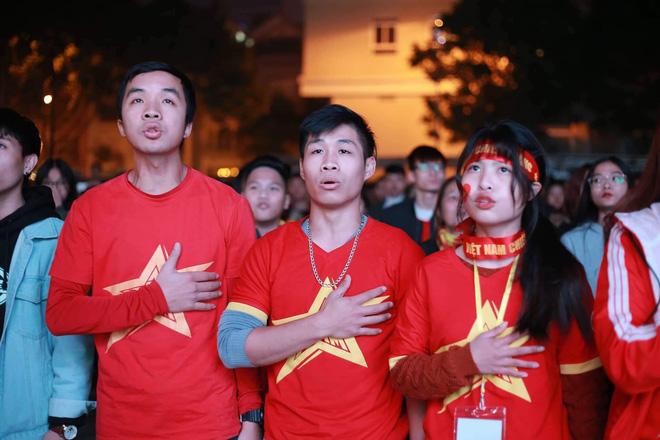Tứ kết Việt Nam - Nhật Bản: CĐV tiếc nuối khi tuyển Việt Nam phải rời Asian Cup 2019-30