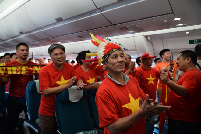 Tứ kết Việt Nam - Nhật Bản: CĐV tiếc nuối khi tuyển Việt Nam phải rời Asian Cup 2019-28