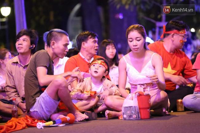 Tứ kết Việt Nam - Nhật Bản: CĐV tiếc nuối khi tuyển Việt Nam phải rời Asian Cup 2019-32