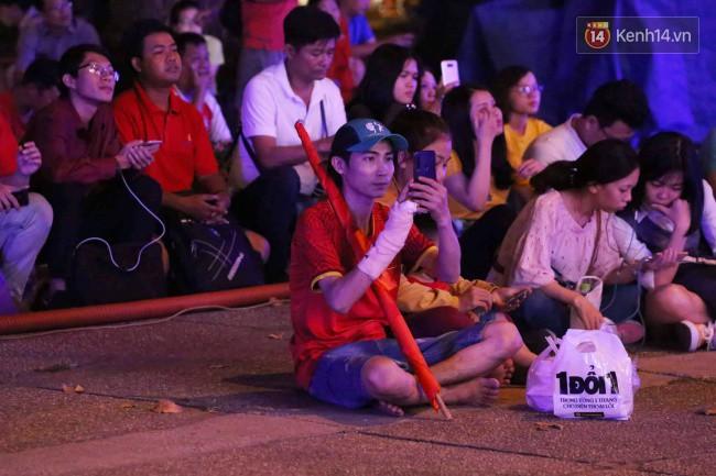Tứ kết Việt Nam - Nhật Bản: CĐV tiếc nuối khi tuyển Việt Nam phải rời Asian Cup 2019-62