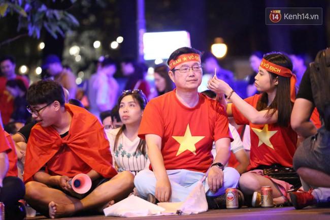 Tứ kết Việt Nam - Nhật Bản: CĐV tiếc nuối khi tuyển Việt Nam phải rời Asian Cup 2019-35