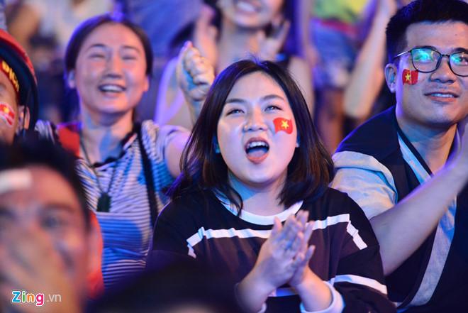 Tứ kết Việt Nam - Nhật Bản: CĐV tiếc nuối khi tuyển Việt Nam phải rời Asian Cup 2019-22