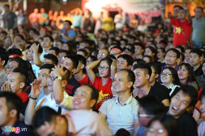 Tứ kết Việt Nam - Nhật Bản: CĐV tiếc nuối khi tuyển Việt Nam phải rời Asian Cup 2019-19
