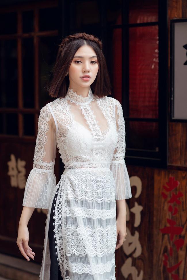 Sau ồn ào với hội bạn thân, Jolie Nguyễn tung bộ ảnh diện áo dài đón Tết cực dịu dàng-2