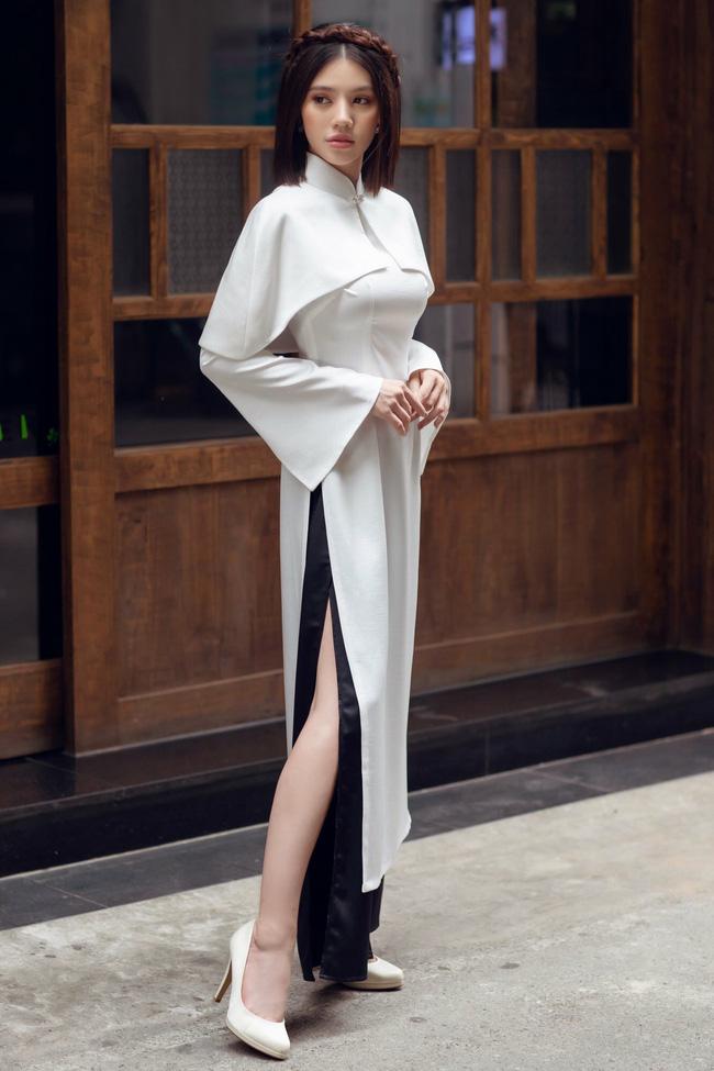 Sau ồn ào với hội bạn thân, Jolie Nguyễn tung bộ ảnh diện áo dài đón Tết cực dịu dàng-4