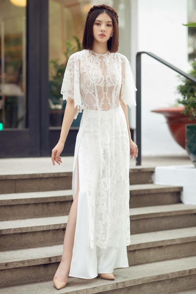 Sau ồn ào với hội bạn thân, Jolie Nguyễn tung bộ ảnh diện áo dài đón Tết cực dịu dàng-6