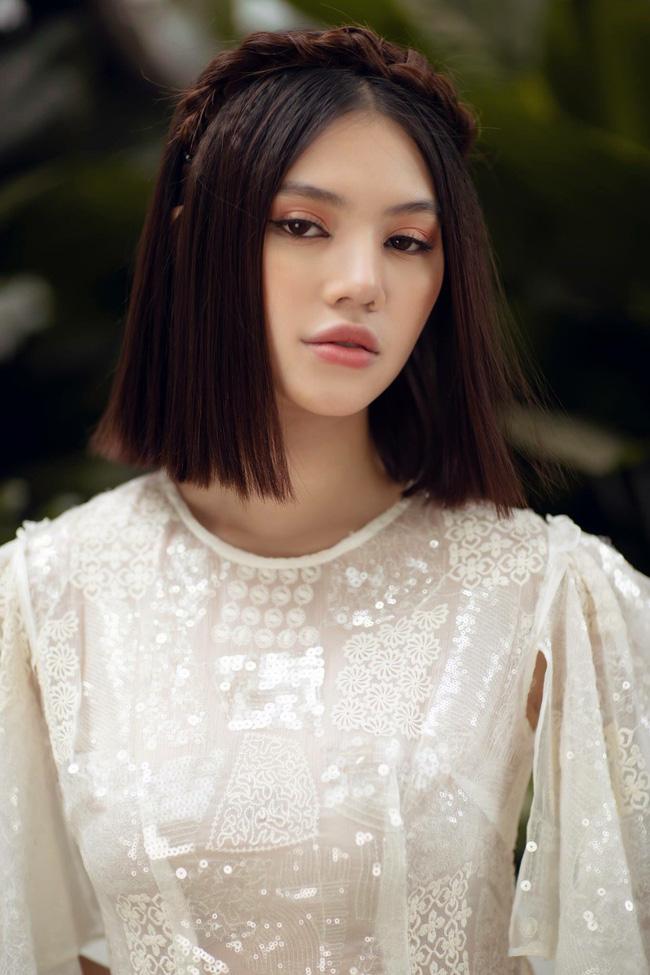 Sau ồn ào với hội bạn thân, Jolie Nguyễn tung bộ ảnh diện áo dài đón Tết cực dịu dàng-8