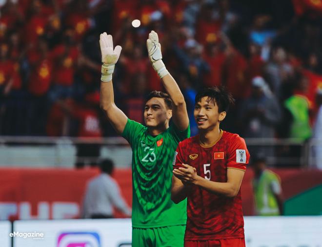 Xin cảm ơn, những chiến binh áo đỏ quên mình vì đất nước!-13