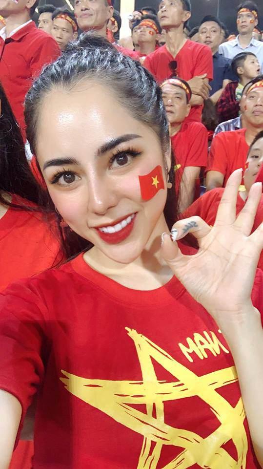 Mê màn bắt bóng xuất thần, MC xinh nhất nhì VTV tuyên bố gả con gái cho Đặng Văn Lâm-7