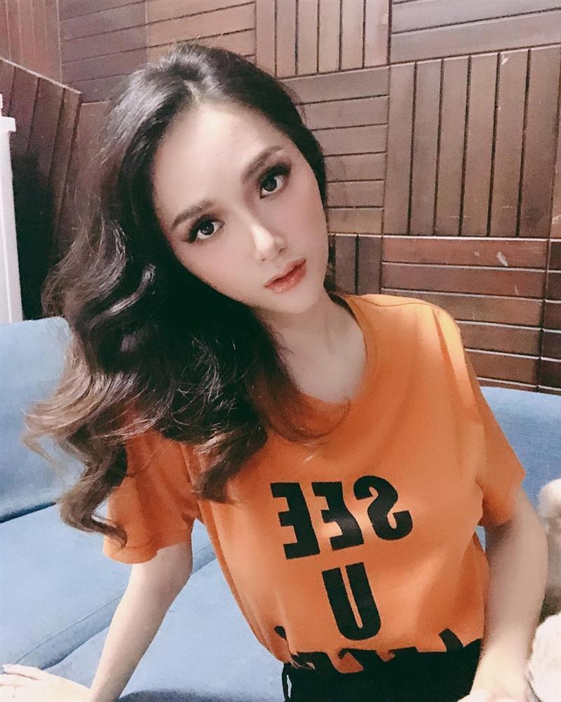 Không chỉ body tong teo, đến mặt Hương Giang Idol giờ cũng hốc hác đáng báo động-1