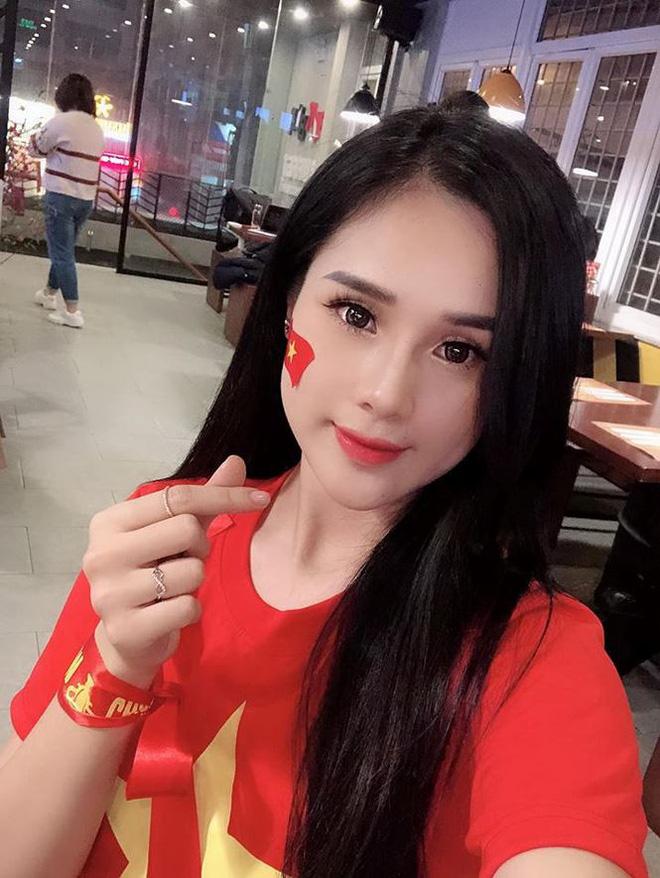 Gia nhập hội bạn gái cầu thủ, Ngọc Nữ vẫn phủ nhận yêu Phan Văn Đức-3