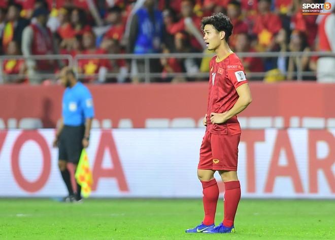 Công Phượng nghẹn ngào tự trách sau trận thua Nhật Bản-1
