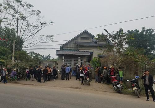 Vụ hai mẹ con hiệu phó tử vong bất thường ở Phú Thọ: Phát hiện chăn và áo khoác nghi của hung thủ-1