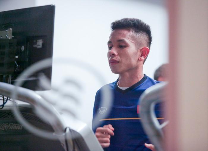 Tuyển Việt Nam hăng say tập gym trước trận gặp Yemen-3