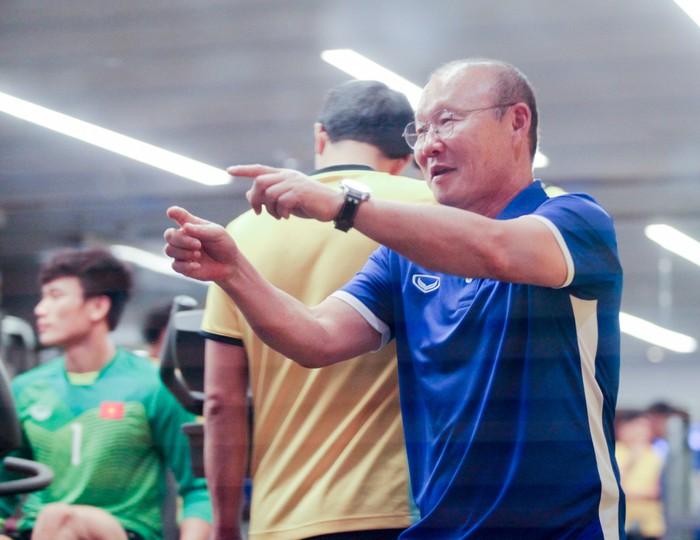 Tuyển Việt Nam hăng say tập gym trước trận gặp Yemen-2