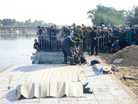 Vụ cả gia đình lao ô tô xuống sông, 3 người chết: 'Cháu phá cửa thoát ra nhưng bị cha kéo lại'