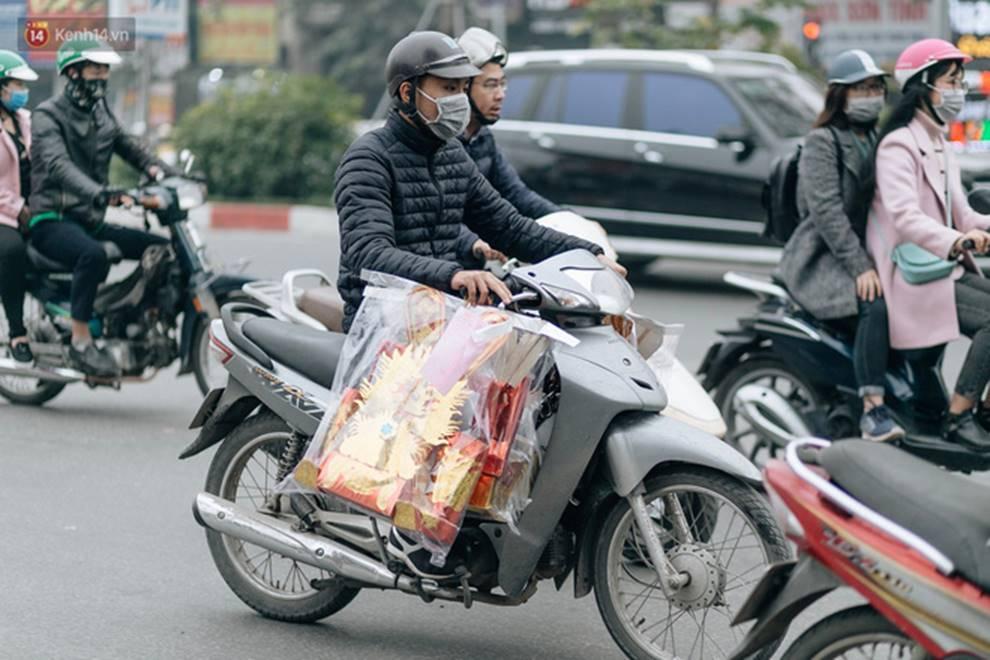 Chùm ảnh: Từ 3h chiều, đường phố Hà Nội ùn tắc không lối thoát ngày giáp Tết-11
