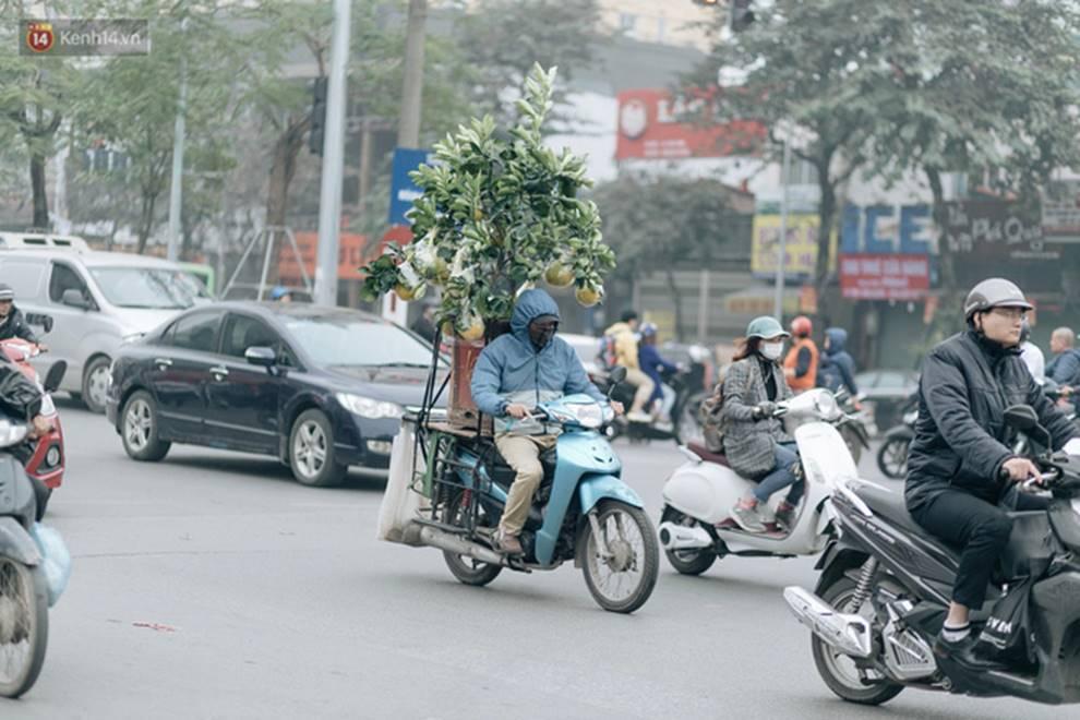 Chùm ảnh: Từ 3h chiều, đường phố Hà Nội ùn tắc không lối thoát ngày giáp Tết-13